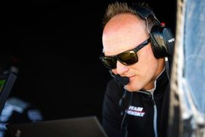 Simon Pagenaud, Team Penske Chevrolet, engineer
