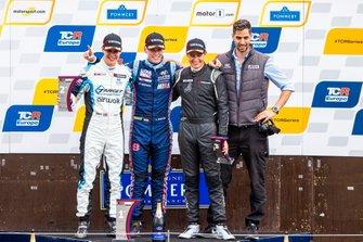 Podium: Race winner Luca Engstler, M1RA Motorsport Hyundai i30 N TCR, second place Josh Files, Target Competition Hyundai i30 N TCR, third place Alex Morgan, Wolf-Power Racing Cupra TCR