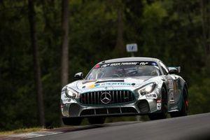 #162 BLACK FALCON Team IDENTICA Mercedes-AMG GT4: Tobias Müller, Tim Scheerbarth, Tristan Viidas