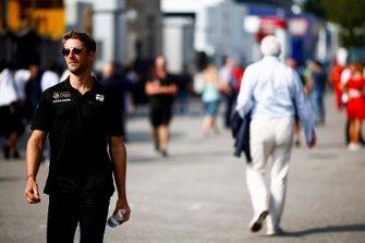Romain Grosjean, Haas F1 en el paddock