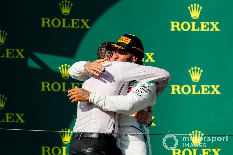 Podyum: Yarış galibi Lewis Hamilton, Mercedes AMG F1 W10