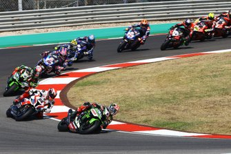 Jonathan Rea, Kawasaki Racing Team leads the start