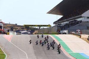 Jonathan Rea, Kawasaki Racing Team leads the start