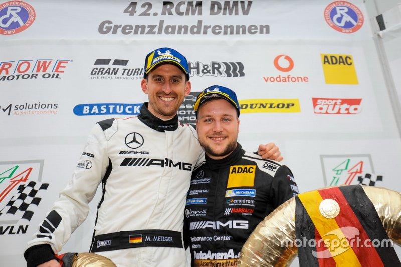 Podio: Il vincitore #6 BLACK FALCON Mercedes-AMG GT3: Patrick Assenheimer, Manuel Metzger