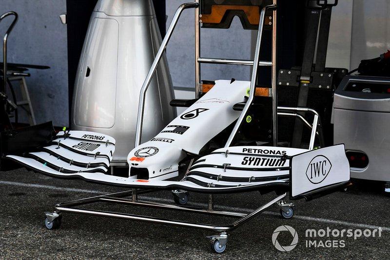 Mercedes AMG F1 W10, yeni renk düzeni