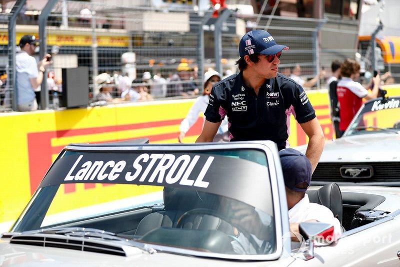 Lance Stroll, Racing Point, alla parata dei piloti