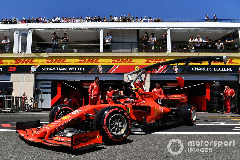 Charles Leclerc, Ferrari SF90, sort du garage