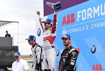 Lucas Di Grassi, Audi Sport ABT Schaeffler, 1st position, celebrates on the podium alongside Sébastien Buemi, Nissan e.Dams, 2nd position, Jean-Eric Vergne, DS TECHEETAH, 3rd position, Dieter Gass, Head of Audi Motorsports
