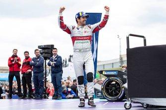 Lucas Di Grassi, Audi Sport ABT Schaeffler, 1st position, on the podium