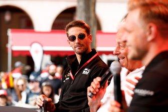 Romain Grosjean, Haas F1 on stage in the fan zone