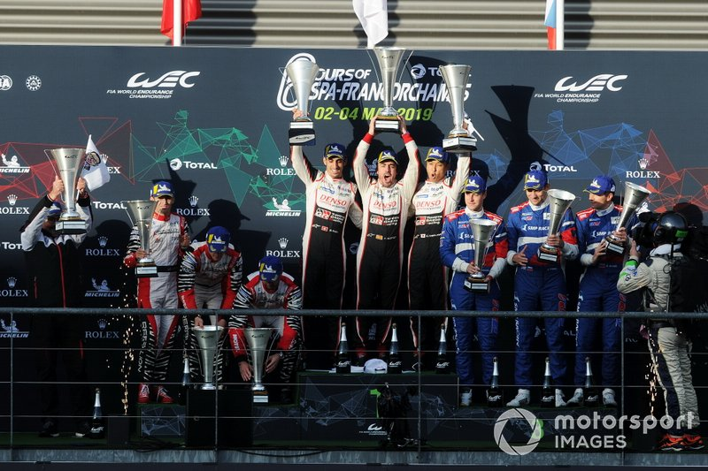 Podium: Winner #8 Toyota Gazoo Racing Toyota TS050: Sébastien Buemi, Kazuki Nakajima, Fernando Alonso, second place #3 Rebellion Racing Rebellion R-13: Nathanaël Berthon, Thomas Laurent, Gustavo Menezes, third place #11 SMP Racing BR Engineering BR1: Mikhail Aleshin, Vitaly Petrov, Stoffel Vandoorne