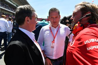 Joe Verstappen on the grid with Gino Rosato, Ferrari