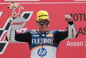 Podium: racewinnaar Augusto Fernandez, Pons HP40