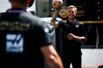 Kevin Magnussen, Haas F1 plays football in the paddock