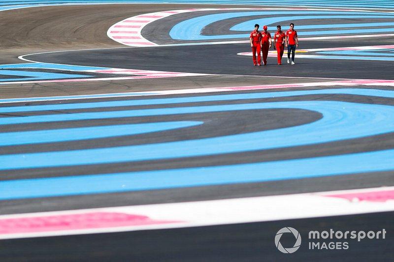 Charles Leclerc, Ferrari, ispeziona il circuito