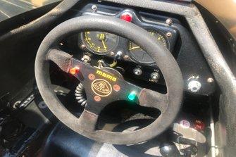 Dettaglio del volante della Lotus 97T di Ayrton Senna