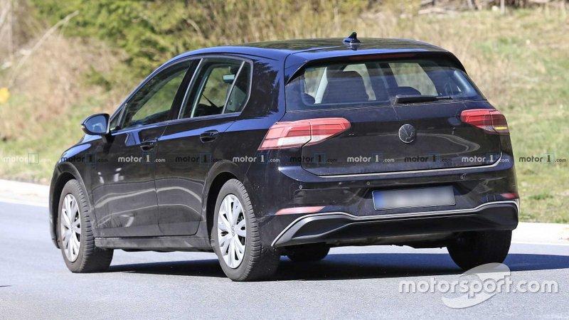 Шпигунське фото VW Golf 2020 року