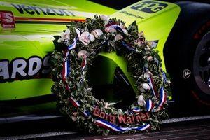 Simon Pagenaud, Team Penske Chevrolet Borg-Warner wreath