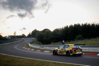 #89 Giti Tire Motorsport by WS Racing VW Golf VII GTI: Ronja Assmann, Petra Baecker, Jasmin Preisig, Carrie Schreiner