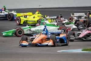 Scott Dixon, Chip Ganassi Racing Honda and Colton Herta, Harding Steinbrenner Racing Honda crash