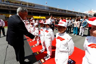 Chase Carey, Chairman, Formula 1, meets the Grid Kids