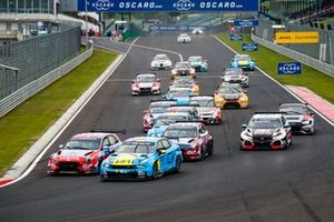 Augusto Farfus, BRC Hyundai N LUKOIL Racing Team Hyundai i30 N TCR, Yann Ehrlacher, Cyan Performance Lynk & Co 03 TCR