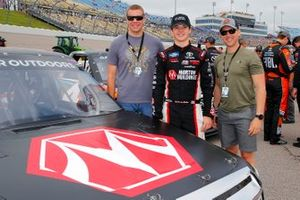 Harrison Burton, Kyle Busch Motorsports, Toyota Tundra Morton Buildings and guests