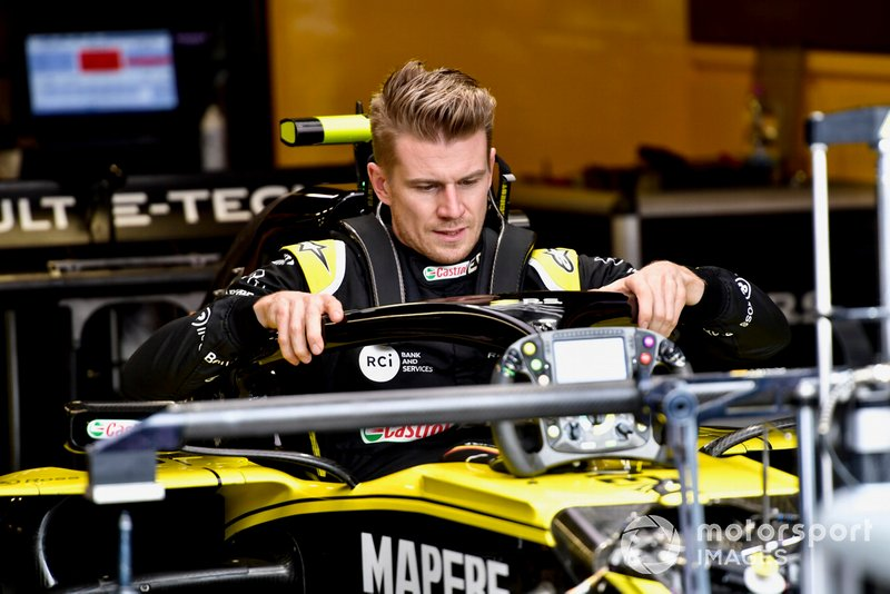 Nico Hulkenberg, Renault R.S. 19 in his cockpit