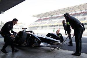 Brendon Hartley, Dragon Racing, Penske EV-4 fa un pitstop