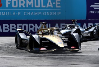 Антониу Феликс да Кошта, DS Techeetah, DS E-TENSE FE20, и Ник де Врис, Mercedes-Benz EQ Formula E Team, Mercedes-Benz EQ Silver Arrow 01