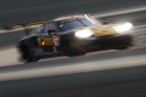 Бен Китинг, Ларри тен Ворде и Йерун Блекемолен, Team Project 1, Porsche 911 RSR (№57)