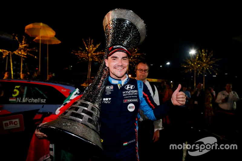 Campeón Norbert Michelisz, BRC Hyundai N Squadra Corse Hyundai i30 N TCR