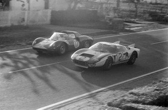David Piper, Jo Bonnier, Maranello Concessionaires Ltd, Ferrari 365 P2, lotta con Phil Hill, Chris Amon, Shelby-American Inc, Ford GT40 Mk, alla 24 ore di Le Mans del 1965