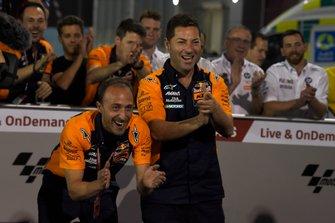 Team Red Bull KTM Ajo viert de overwinning