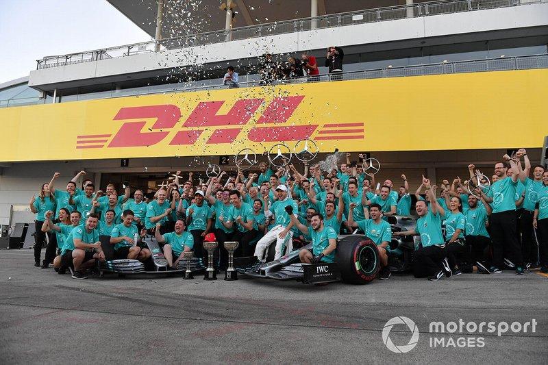 El equipo Mercedes celebra su sexto Mundial de constructores consecutivo
