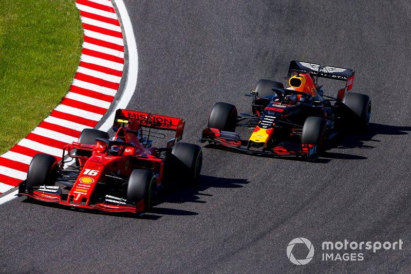Charles Leclerc, Ferrari SF90 lotta con Max Verstappen, Red Bull Racing RB15