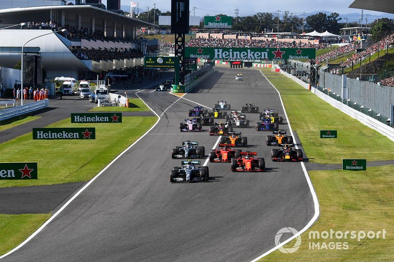 Valtteri Bottas, Mercedes AMG W10 leads Sebastian Vettel, Ferrari SF90Charles Leclerc, Ferrari SF90, Lewis Hamilton, Mercedes AMG F1 W10 and Max Verstappen, Red Bull Racing RB15 at the start of the race