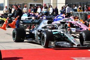 Lewis Hamilton, Mercedes AMG F1 W10, 2° classificato, arriva nel parco chiuso