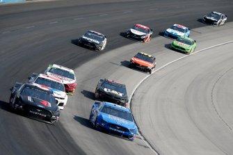 Ryan Newman, Roush Fenway Racing, Ford Mustang Roush Performance, Daniel Suarez, Stewart-Haas Racing, Ford Mustang Walmart Family Mobile