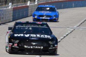 David Ragan, Front Row Motorsports, Ford Mustang Mystik Lubricants, Daniel Suarez, Stewart-Haas Racing, Ford Mustang Walmart Family Mobile
