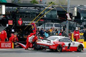 Michael Annett, JR Motorsports, Chevrolet Camaro AHA/Pilot Flying J pit stop