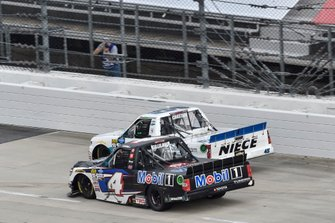 Ross Chastain, Niece Motorsports, Chevrolet Silverado CarShield, Todd Gilliland, Kyle Busch Motorsports, Toyota Tundra Mobil 1