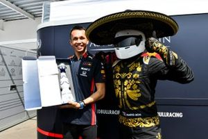 Mario Achi, Mexican GP Promoter presents Alex Albon, Red Bull Racing with a bottle of tequila