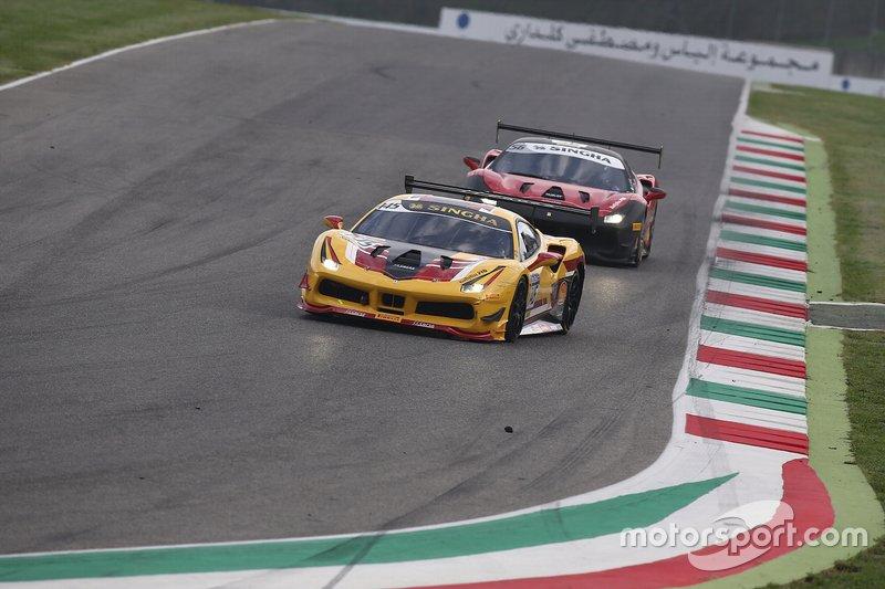 #145 Ferrari 488 Challenge, HR Owen: Laurent De Meeus