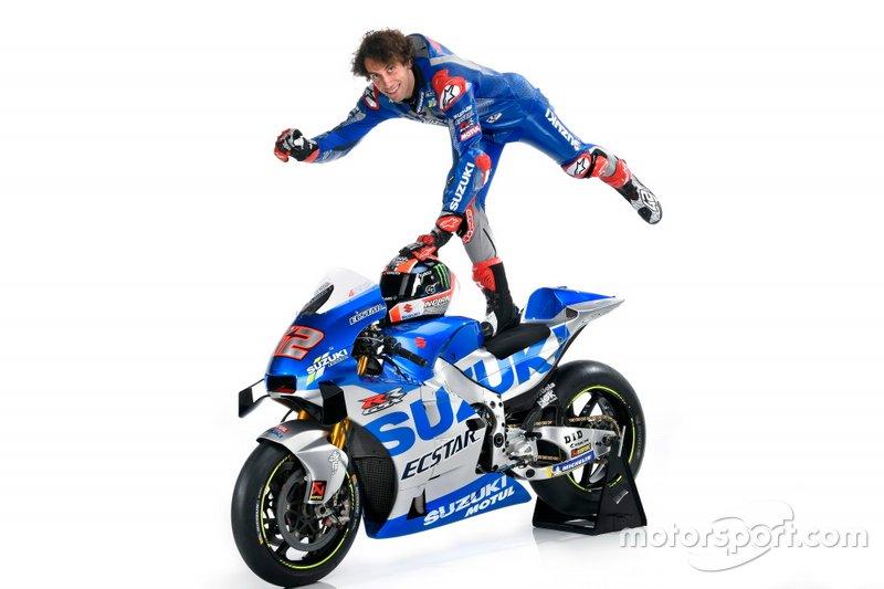 Alex Rins com a nova moto da Suzuki