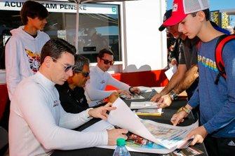 #6 Acura Team Penske Acura DPi, DPi: Juan Pablo Montoya, Dane Cameron, Simon Pagenaud, autograph session