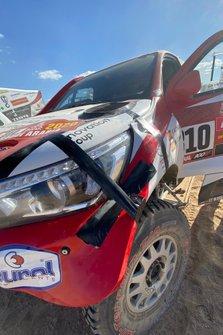 Автомобиль Toyota Hilux (№310) Фернандо Алонсо и Марка Комы, Toyota Gazoo Racing