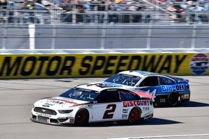 Brad Keselowski, Team Penske, Ford Mustang Discount Tire and Clint Bowyer, Stewart-Haas Racing, Ford Mustang BlueDEF