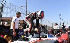 Edoardo Mortara, Venturi, EQ Silver Arrow 01 on the grid.