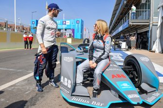 Zangeres Ellie Goulding met Sam Bird, Virgin Racing